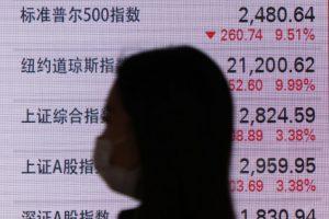 Hong Kong Stocks Plummet As Evergrande Trade Suspended