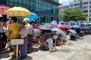 Banking crisis killing business, tormenting citizens in Myanmar