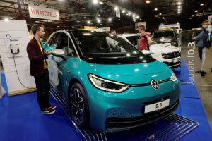 China Frictions Steer EV Automakers Away From Rare Earth Magnets