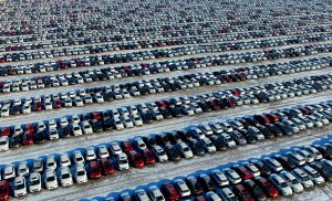 Supply Chain Snarls Seen Costing Automakers $210bn This Year
