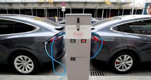 Battery Giants Face Skills Gap That Could Jam EV Transition
